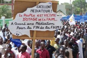 à Ouagadougou, les burkinabé défilent pour réclamer le départ de Blaise Compaoré